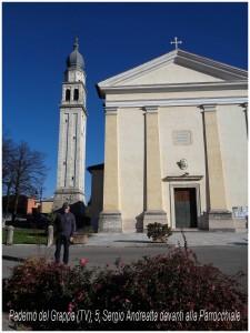 Paderno del Grappa (5), Sergio Andreatta davanti alla Parrocchiale.JPG