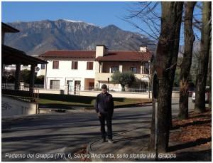 Paderno del Grappa (6), Sergio Andreatta, sullo sfondo il M. Grappa.JPG