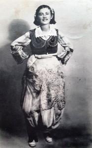 Ragazza albanese.